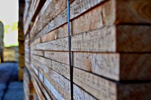 Palet de madera de pino empaquetada